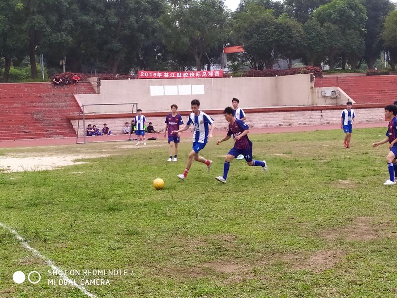 感受运动快乐,传递足球激情